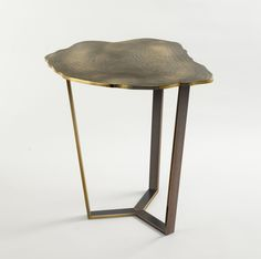 NARCISSUS SIDE TABLE Textured bronze, bronze base