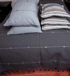 Color Negra, Bed Pillows, Pillow Cases, Textiles, Shape, Diy Bed, Pillow Shams, Toss Pillows, Blue Grey