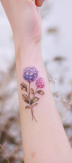 Cute and Tiny Flower Tattoos Designs for Women 2019 - Page 26 of 34 - womenselegance. Tiny Flower Tattoos, Flower Tattoo Arm, Flower Tattoo Shoulder, Flower Tattoo Designs, Tattoo Designs For Women, Rose Tattoos, Arm Tattoo, Small Quote Tattoos, Cute Small Tattoos