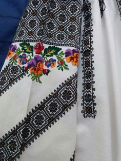 Folk Costume, Costumes, Beaded Embroidery, Floral Tie, Embellishments, Boho, Beads, Model, Beading