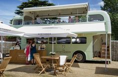 wine party - The English wine producer Nyetimber has taken a 1968 London Routemaster and re-invented it as a wine party tour bus that will embark on a summer ro. Bus Restaurant, Mobile Restaurant, Wein Parties, Tour Bus, Van Vw, Mobile Coffee Shop, Mobile Food Trucks, Food Vans, Bus Living