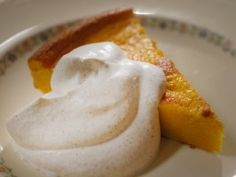Forget pumpkin pie, try Laura Calder's Pumpkin Cake with pumpkin puree, rum and orange zest. Serve with cinnamon whipped cream and you've got a delicious dessert. Cake Recipe Food Network, Food Network Recipes, Pumpkin Cake Recipes, Pumpkin Dessert, Fall Recipes, Sweet Recipes, French Recipes, Holiday Recipes, French Food At Home