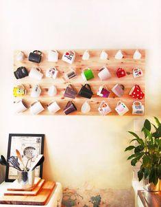 DIY mug rack. for all of my coffee cups and your tea mugs Diy Becher, Mug Rack, Mug Wall Rack, Wall Hanger, Sweet Home, Diy Mugs, First Apartment, Apartment Kitchen, Apartment Ideas