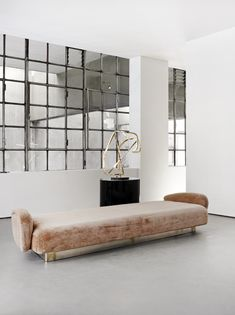 Surfaces found in this furniture by Vincenzo De Cotiis, shown at New York's Carpenters Workshop Gallery, could be mistaken for being in a liquid state. Interior Architecture, Interior And Exterior, Interior Windows, Luxury Furniture, Furniture Design, Sofa Furniture, Pink Velvet Sofa, Pink Sofa, Vincenzo De Cotiis