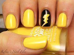 Diseños de Uñas en color Amarillo 10