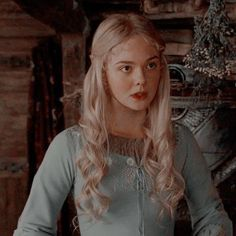 disclaimer: i dont own this photo, credits to all owners. Princess Aesthetic, Disney Aesthetic, Aesthetic Girl, Elle Fanning, It Movie 2017 Cast, Yennefer Of Vengerberg, Twitter Icon, Cute Icons, Maleficent
