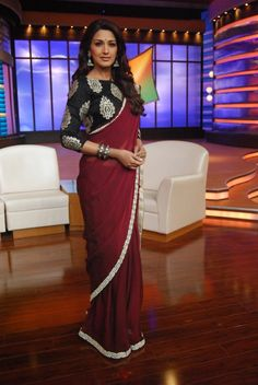 Sonali Bendre Behl on the set of Mission Sapne Reality TV Show. STYLIST & DESIGNER: Shreya Anand Blouse Patterns, Saree Blouse Designs, Indian Dresses, Indian Outfits, Saree Jackets, Ethnic Sarees, Stylish Sarees, Elegant Saree, Traditional Sarees