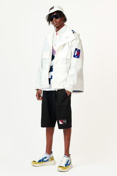 Tommy Hilfiger Spring 2019 Menswear Fashion Show Collection: See the complete Tommy Hilfiger Spring 2019 Menswear collection. Look 12