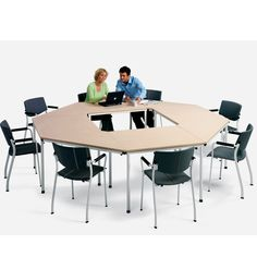 Ahrend 310 table can be used in canteens, as training tables and informal meeting areas.