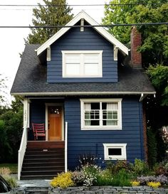 What is is about a dark blue house with white trim that makes my heart skip a beat?