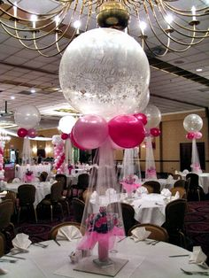 Clear Jumbo balloons with tulle Centerpieces ~ an elegant decoration for a wedding or anniversary. Topiary Centerpieces, Balloon Centerpieces, Balloon Decorations, Wedding Centerpieces, Wedding Decorations, Shower Centerpieces, Christmas Centerpieces, Centrepieces, Balloon Topiary
