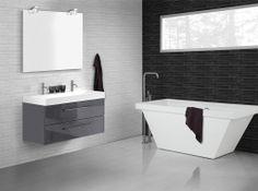 Dansani Square bathtub and matching washand.