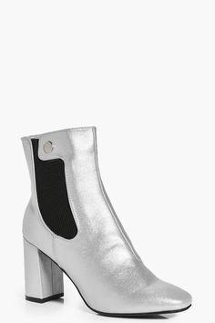1e65b62608f3 boohoo.com Chunky Heel Ankle Boots