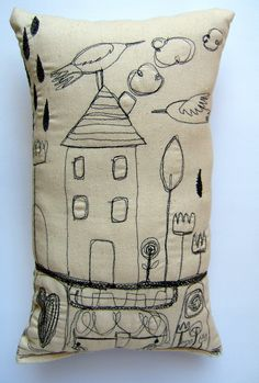 "Doodle pillow by Magaly Ohika- look for ""the itsy bitsy spill"" Freehand Machine Embroidery, Free Motion Embroidery, Free Machine Embroidery, Free Motion Quilting, Embroidery Applique, Embroidery Stitches, Embroidery Patterns, Thread Painting, Fabric Painting"