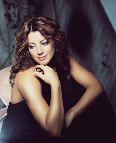 Sarah McLachlan. There should be videos for me to post of her awesome songs like perfect girl,  world in fire,  stupid,  fallen,  etc. Get on it folks!!