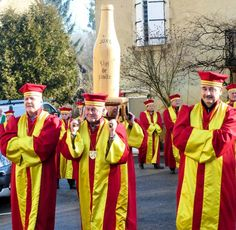 Procession of the Commanderie des Nobles Vins du Jura French Wine, France, Places, Wine, World, Law School, Lugares, French Resources