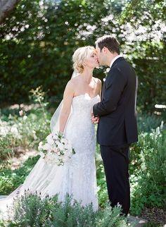 Classic rustic wedding: Photography: Kristen Beinke - www.kristenbeinke.com   Read More on SMP: http://www.stylemepretty.com/2016/09/27//