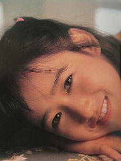 岡田有希子 写真集より抽出 笑顔