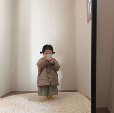 kid child ulzzang 얼짱 children girl boy baby cute kawaii adorable korean pretty beautiful hot fit japanese asian soft aesthetic 孩 子 g e o r g i a n a : 人 Cute Asian Babies, Korean Babies, Asian Kids, Cute Babies, So Cute Baby, Cute Kids, Little Babies, Baby Kids, Outfits Niños