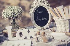 ρουστικ-γαμος-διακοσμηση-αποχρωσεις-ξυλου