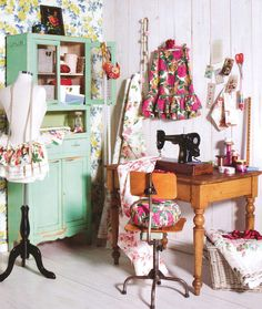 Beautiful sewing room....