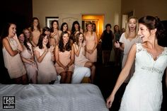 18 Best Getting Ready Photos: bridal party reaction to bride (photo by kathryn krueger)