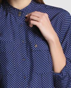 Camisa de seda de mujer Gaastra en azul con topos