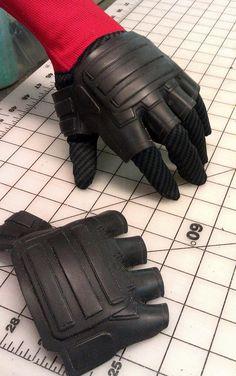 Deadpool Glove Armor Plates from PixelBash Props Jedi Cosplay, Marvel Cosplay, Cosplay Diy, Cosplay Costumes, Cosplay Ideas, Dyi Costume, Deadpool Costume, Deadpool Art, Foam Armor