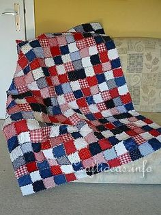 Rag Quilt Americana. Would love to make this, wash it out to look tattered and worn, and hang it on my front porch during the summer months!