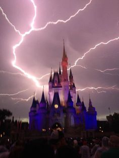 Lightning strikes over Cinderella Castle at Disney World As a lightning storm rolled through Central Florida Magic Kingdom attendees captured what looks like a near miss to Cinderella Castle by a bolt. World Disney, Disney Worlds, Disney Nerd, Disney Parks, Cool Pictures, Beautiful Pictures, Storm Pictures, Park Pictures, Dame Nature