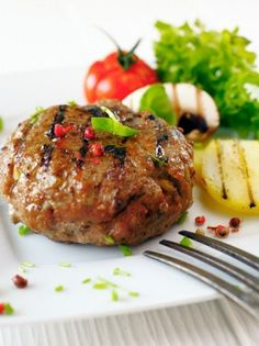 Garlic and Worcestershire Burgers Lamb Burger Recipes, Goat Recipes, Fodmap Recipes, Cooking Recipes, Healthy Recipes, Greek Recipes, Healthy Foods, Dinner Recipes, Meat Patty Recipe