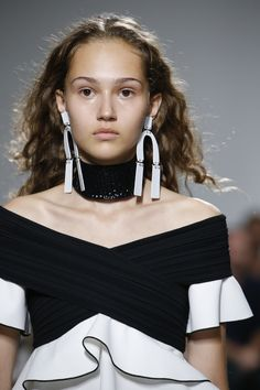 See detail photos from the Proenza Schouler Spring 2017 collection at New York Fashion Week.