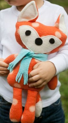 DIY Stuffed Fox (Free Pattern)