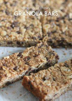 Homemade Chewy Granola Bars! Easy breakfast or snack recipe that is healthy and perfect for kids!