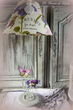 """Lampe """"Sérénade"""" pied métal peint, abat-jour coton papillons multicolores et écritures #LampPied"""