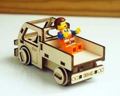 除了SMART小車,多增加一個小貨車,小朋友玩樂高時的樂趣就跟著增加,想要有自己的貨運公司嗎?你就多做幾台吧。
