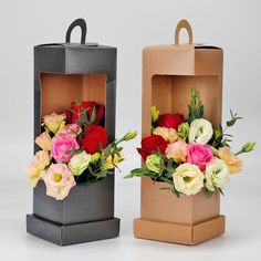Lighthouse Portable Flower Paper Box Black and Brown Folding Floral Box Packaging Flower Basket Florist supplies-in Gift Bags Flower Box Gift, Flower Basket, Flower Boxes, Bouquet Cadeau, Gift Bouquet, Flower Packaging, Box Packaging, Paper Flowers Diy, Flower Crafts