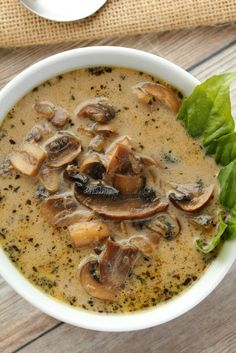 Simple and ultra creamy vegan cream of mushroom soup. Rich and flavorful and del… Simple and ultra creamy vegan cream of mushroom soup. Rich and flavorful and deliciously satisfying, this soup makes an ideal. Vegan Soups, Vegan Dishes, Vegan Vegetarian, Vegetarian Recipes, Healthy Recipes, Vegan Stew, Vegan Chili, Lactose Free Soup Recipes, Vegitarian Soup Recipes