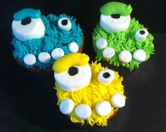 Marshmallow Monster Cupcakes...so doing this with my girls this year!!