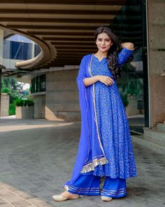 Persian Blue Suit Set Aachho Persian blue Anarkali Suit Set with Blue Gota Net Dupatta .Set Contains Blue Anarkali Palazzo and Dupatta. Casual College Outfits, Eid Outfits, Muslim Fashion, Ethnic Fashion, Indian Ladies Dress, Simple Dresses, Nice Dresses, Sleeves Designs For Dresses, Indian Designer Suits