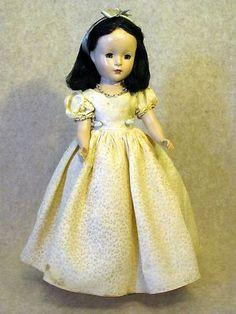 "~ Madame Alexander Hard Plastic Walt Disney ""Snow White"" Doll ~ (1950's)"