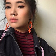 Perfect angel in girl power earrings from our jewelry section! Heart Piercing, Dermal Piercing, Septum, Piercings, Kpop Earrings, Girls Earrings, Heart Earrings, Rook Jewelry, Piercing