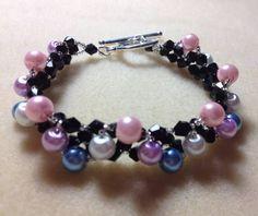 Pearl Delight Bracelet Braided Bracelets, Love Bracelets, Bangle Bracelets, Pearl Beads, Crystal Beads, Beaded Jewelry Patterns, Pearl Bracelet, Jewelry Crafts, Jewelery