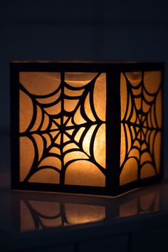 Halloween Windlicht Spinnennetz, Freebie Plotterdatei Paperwork vom Blog Pearl's Harbor