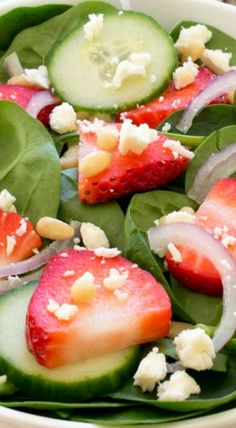 Spinach Strawberry Salad with Creamy Poppy Seed Dressing