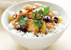 Serve this freshly cooked steamed rice for a full, flavorful meal.
