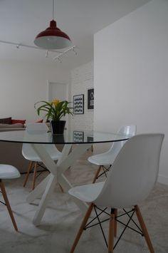 mesa redonda de vidro