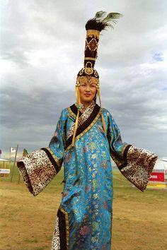 www.mongolchuudaa.com: Mongolian national costume ...