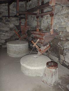 Interior de un molino de agua.