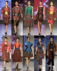 Tenun Timor Thai Traditional Dress, Traditional Fabric, Traditional Outfits, Blouse Batik, Batik Dress, Batik Fashion, Ethnic Fashion, Mode Batik, Batik Kebaya